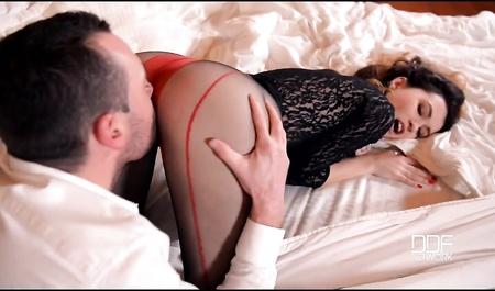 Миша Кросс занимается бурным сексом с молодым бойфрендом